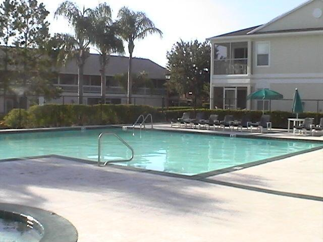 Community gated pool and hot tub - Vacation Rental near Disney, Kissimmee, Florida - Kissimmee - rentals