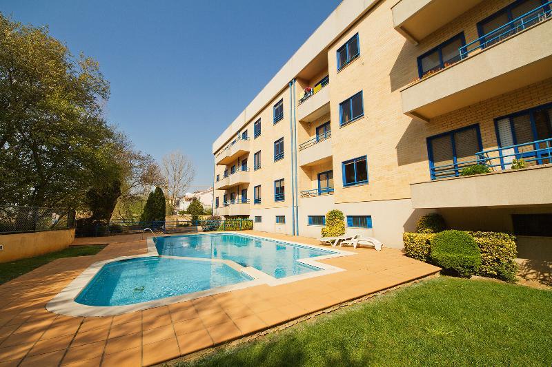 Feel Porto Beach & Pool Getaway - Image 1 - Vila Nova de Gaia - rentals