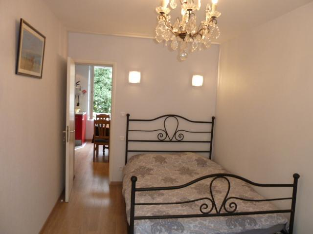 Bedroom with queen-size bed - Armonui Honfleur: flat for 2 in the city center - Honfleur - rentals