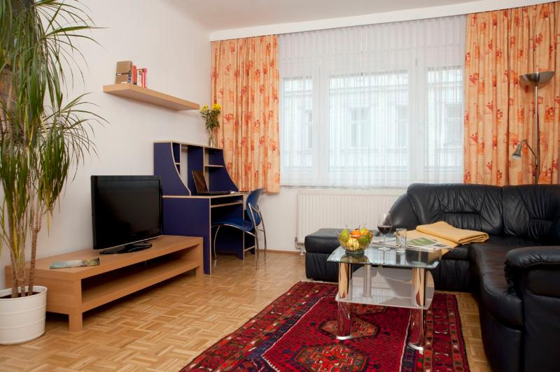 Living room with dining place - Spacious flat ApF21/7 - Vienna - rentals
