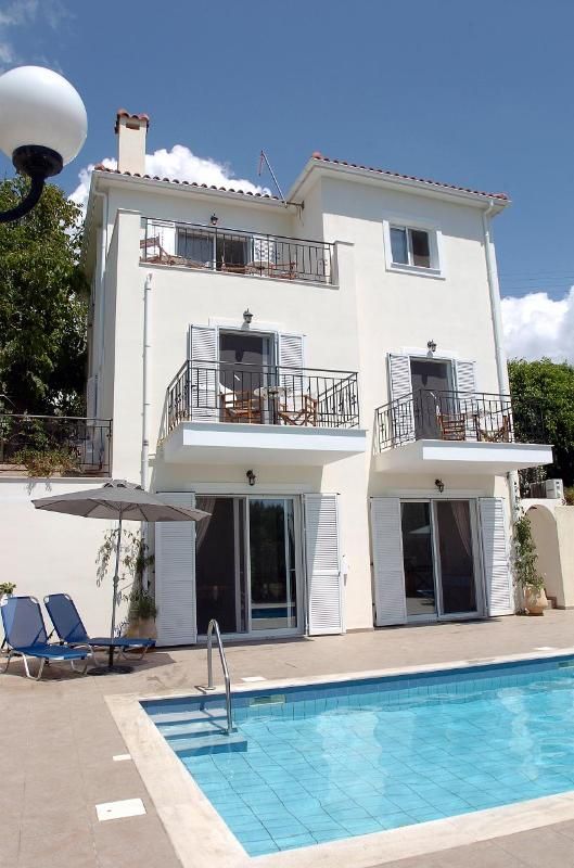 Villa Margaret Rose - Luxury Holiday Villa in Kefalonia, Greece - Svoronata - rentals