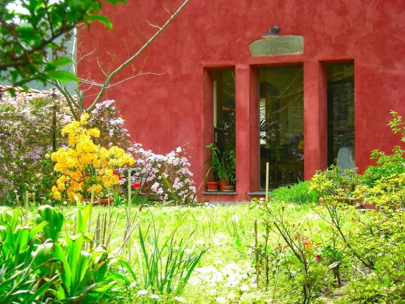 Facade and Garden - CASAR ROSSA means RED HOUSE in Italian - Casa Rossa, Beautiful Tuscan House with Garden - Pescaglia - rentals