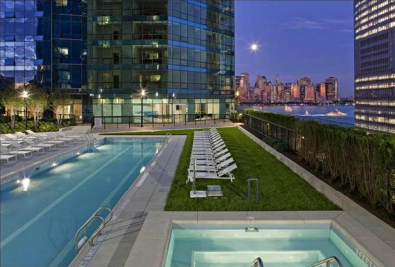 Swimming Pool on Rooftop - UBliss Suites @ 70 Greene:7 mins to New York City - Jersey City - rentals