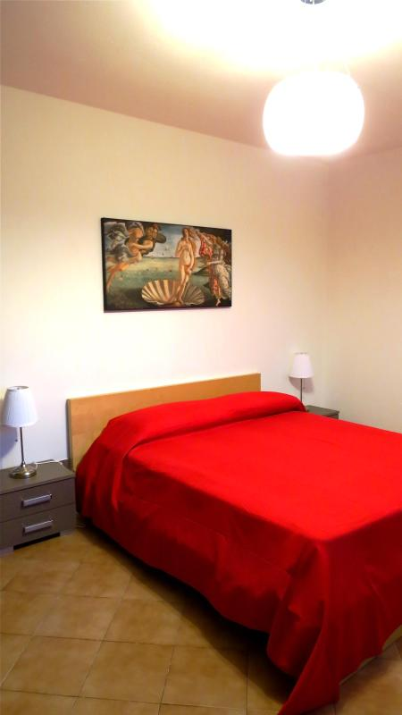 Doub bedroom - Lucca Inn apartment sleep low cost! - Lucca - rentals