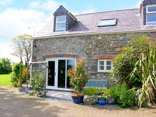 THE COACH HOUSE, pet friendly, country holiday cottage, with a garden in Wolfscastle, Ref 4350 - Image 1 - Haverfordwest - rentals