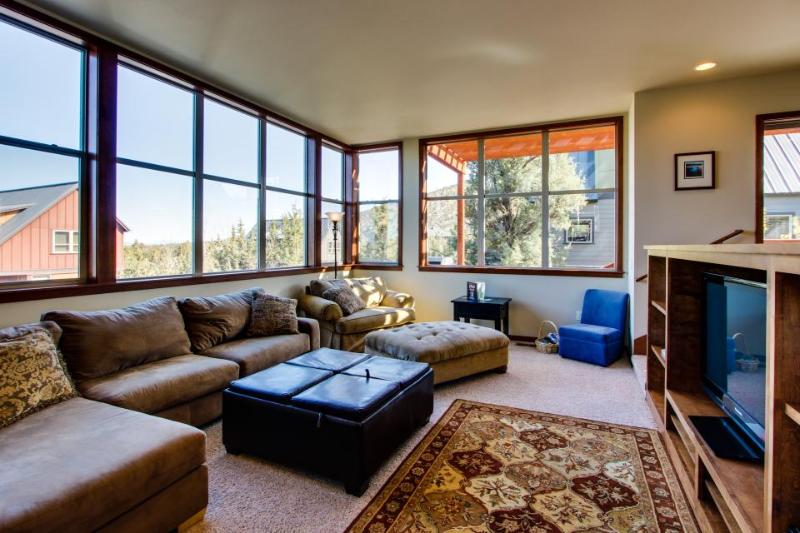 Eagle Crest Modern, Bright & Panoramic Views - Image 1 - United States - rentals