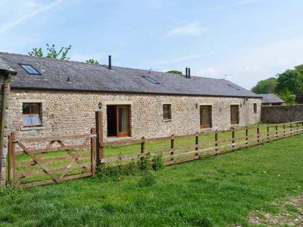BASIL BARN, pet-friendly, woodburner, en-suite, flexible sleeping accommodation, fantastic location, Ref. 913176 - Image 1 - Lancaster - rentals