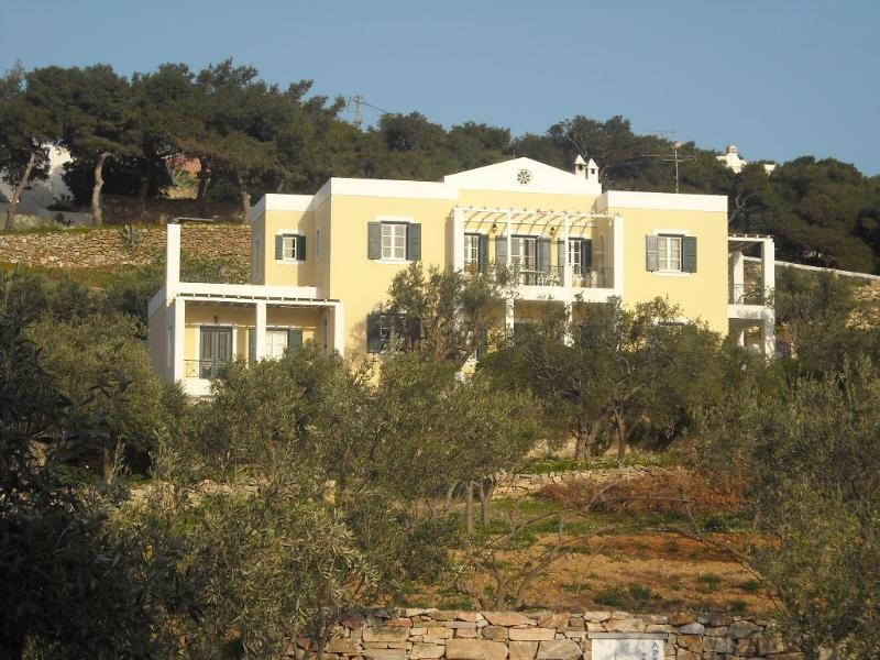 Archipelagos apartment - 68 sq.m. - 4 adults - Image 1 - Ano Syros - rentals