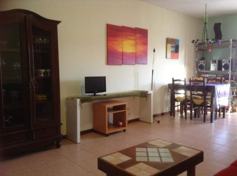 Cosy apartment a short walk from the Lake and the Castle of Bracciano - Image 1 - Bracciano - rentals