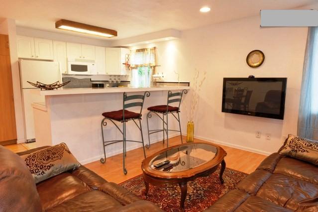 3 BR Quiet, Bright Near Gaslamp, Zoo, Petco Park - Image 1 - Pacific Beach - rentals