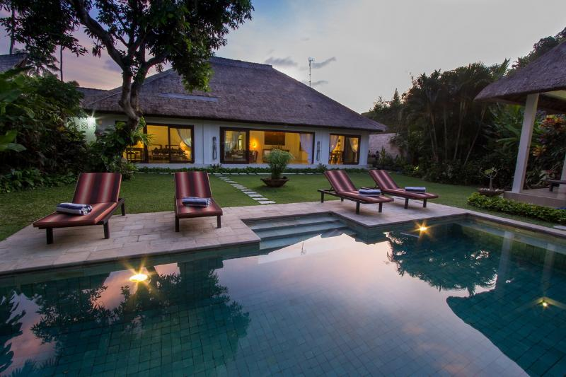 Swimming Pool, Garden - Villa Kamboja Master, 3 bedroom ensuite own pool - Legian - rentals