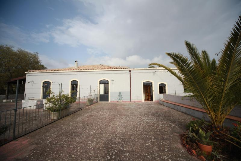 La facciata - Etna countryhouse with beautiful View on the Coast. 6/8 places - Mascali - rentals