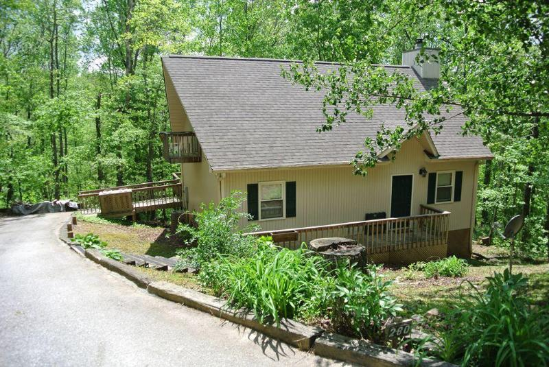 Front View - Jubilee - Mountain Cottage with fire pit and active stream! - Sautee Nacoochee - rentals
