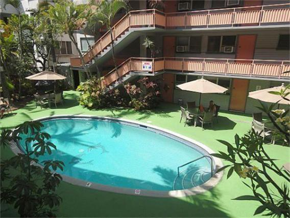 Salt water pool - More than a bedroom!  Full kitchen-Waikiki Beach - Honolulu - rentals