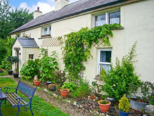 COURT COTTAGE, solid fuel stove, off road parking, enclosed garden, near Adare, Ref 9000 - Image 1 - Adare - rentals