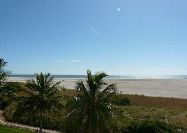 Beachfront Rap Around End Unit - Image 1 - Marco Island - rentals