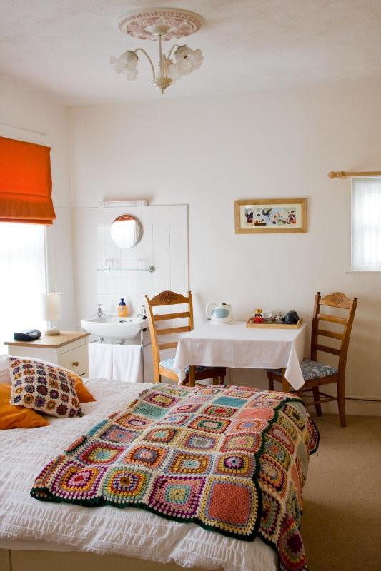Bedroom 1, Double En-suite - Lyonesse Guest House - Falmouth - rentals