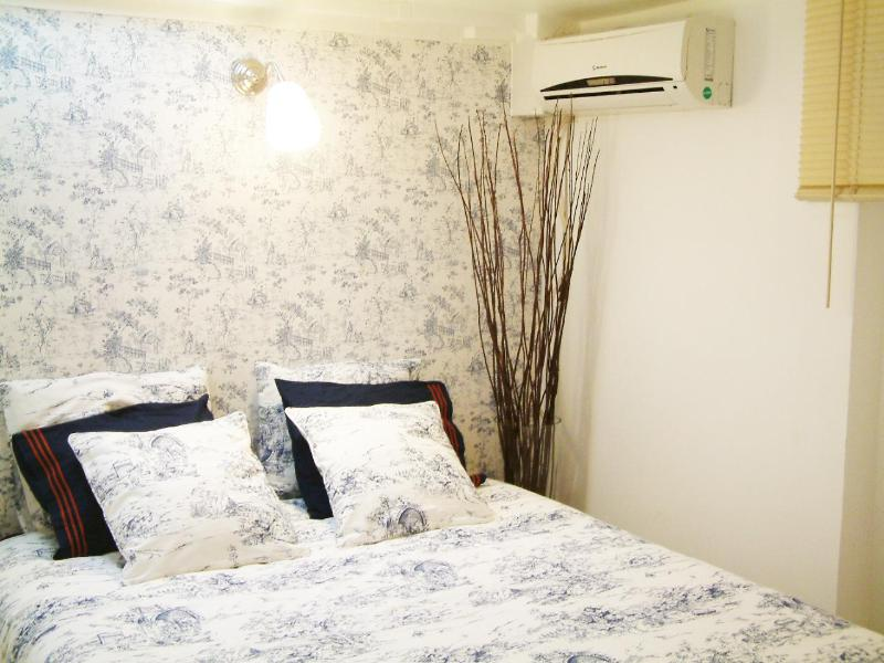 Bed 190X2 mts - Convenient 3 PAX vacation apartment in Madrid city - Madrid - rentals