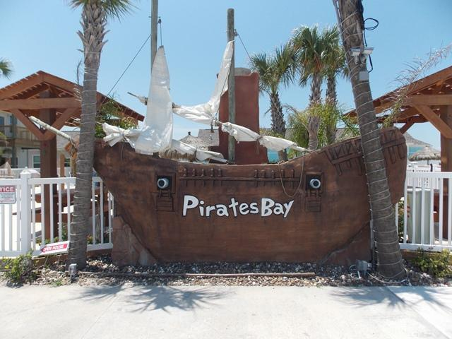 Blue Canoe, 3 bedrm townhome at Pirates Bay - Image 1 - Port Aransas - rentals