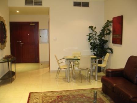 Beautiful 1-bedroom Apartment on 33rd floor - Image 1 - Dubai - rentals