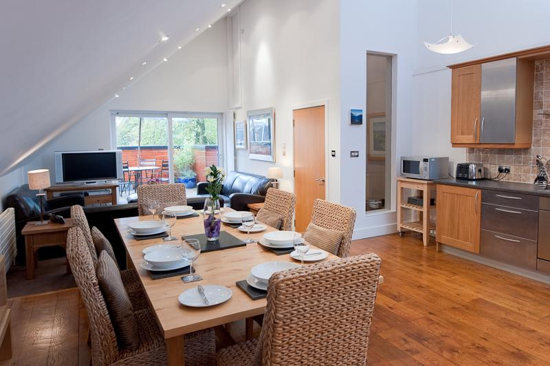 LIVING DINING KITCHEN AREA - The Blue House, Kirklee, West End Glasgow - Glasgow - rentals