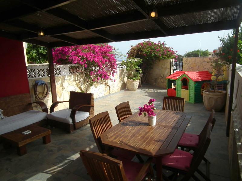 Montaña Roja View / La Tejita Blue Flag Beach - Image 1 - El Medano - rentals