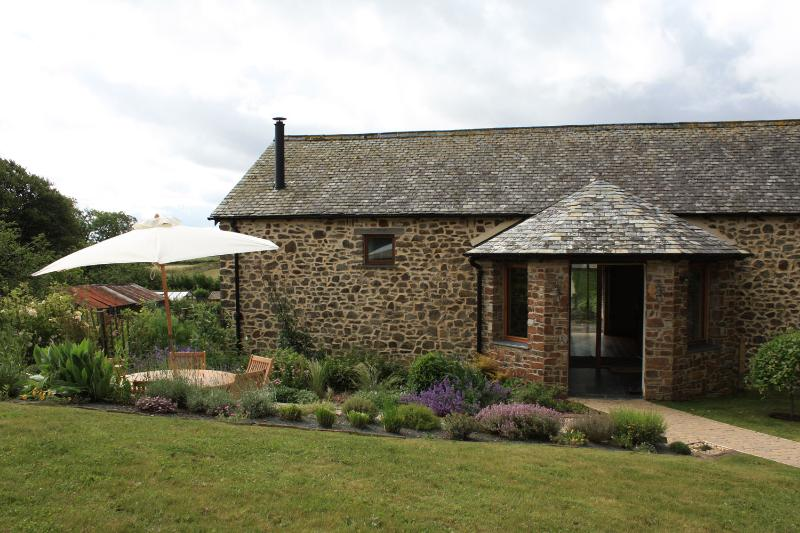 Old Shippon (External) - Luxury Pet Friendly Cottage on Historic Devon Farm - Bude - rentals