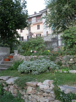 the garden - Typical double room in the Como Lake mountains - Casargo - rentals
