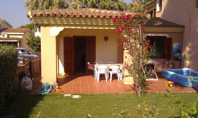 Front view - San Teodoro: house with garden in the city center - San Teodoro - rentals
