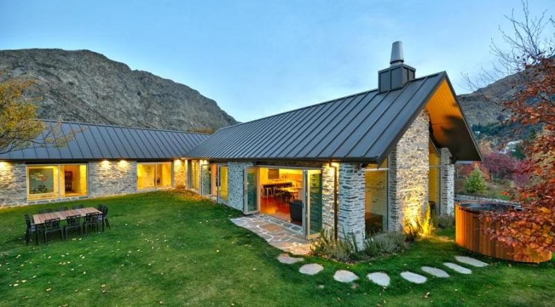 Gucci House - Simply Stunning - Image 1 - Queenstown - rentals