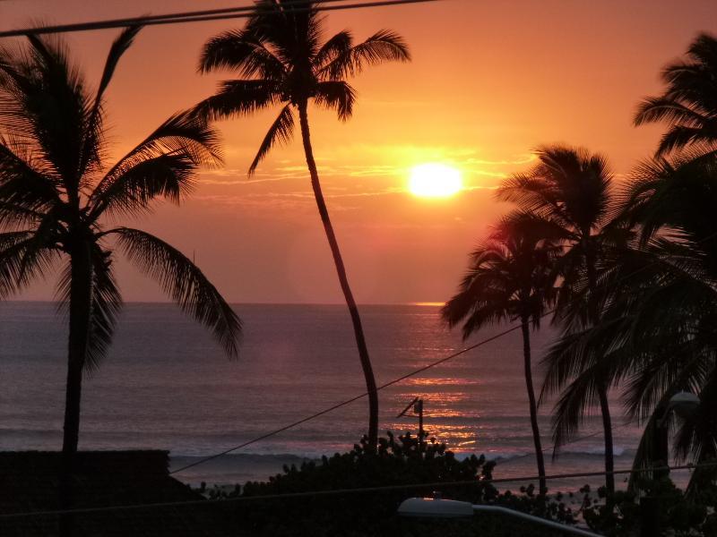 SUNSET FROM BALCONY/LANAI - Ocean View Maui Condo/family Friendly - Kihei - rentals