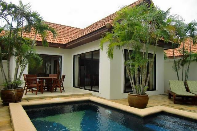 1 Bedroom Villa with private pool - 1BedrPoolVilla/FreeWiFi/Pattaya/nearJomthienBeach - Bangkok - rentals