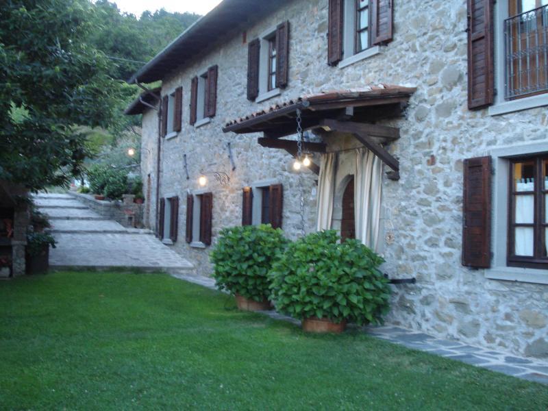 Holidays in Tuscany IT Casale Le Selve Medioval city - Image 1 - Castiglione Di Garfagnana - rentals