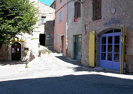 Provence, Lac de St.Croix, house at 50 meters of the lake - Image 1 - Bauduen - rentals