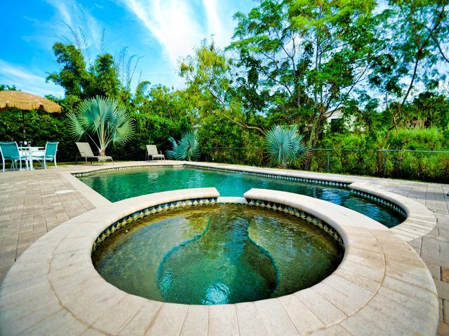 Largo Pool House Live like a Local | 3 Bedroom 2 Bath for your home base | Largo - Image 1 - Largo - rentals