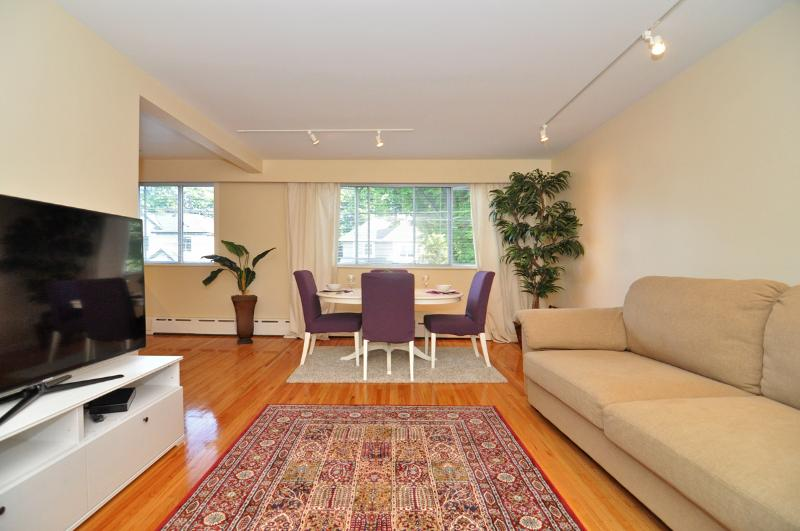 Spacious and Bright Westside 2 Bedroom Suite Close to UBC and Jericho Beach - Image 1 - Vancouver - rentals