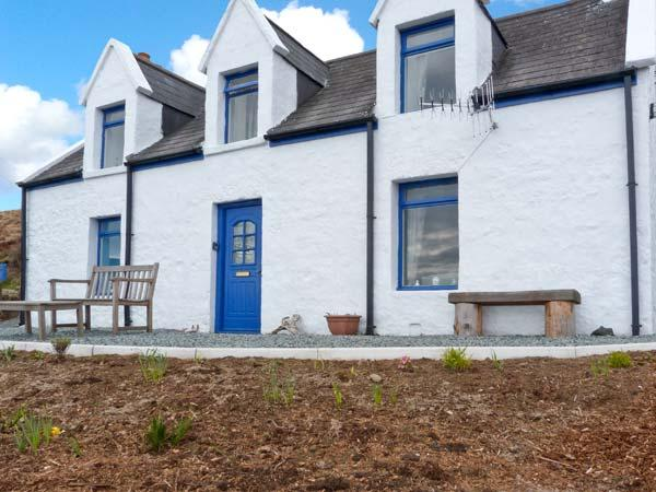 SLIOCH, pet-friendly cottage with sea views, open fire, ideal for walking and wildlife, Staffin Ref 14956 - Image 1 - Staffin - rentals