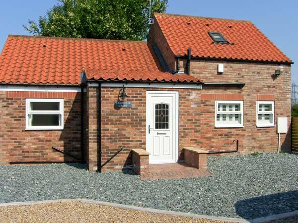 LABURNUM CROFT, detached, en-suite facilities, rural views, in Moor Monkton Ref 24077 - Image 1 - York - rentals
