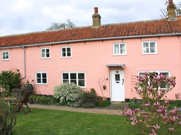 ARCH COTTAGE beautiful communal garden, woodburning stove, touring base in Cambridge Ref 24197 - Image 1 - Cambridge - rentals
