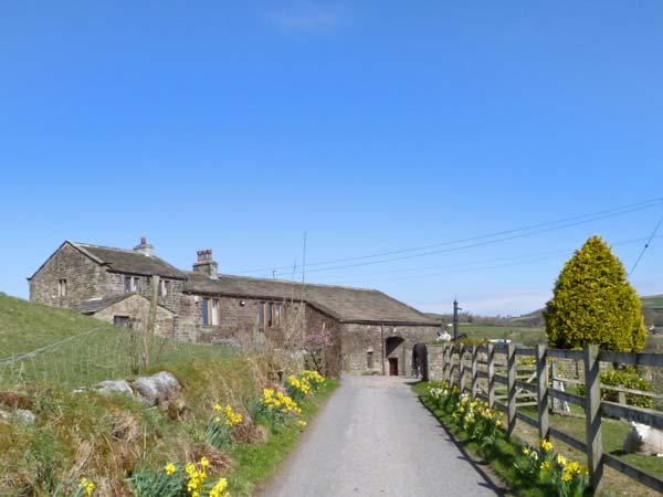 TRUE WELL HALL BARN CTG, cosy accommodation overlooking stables, close walking, Haworth, Ref 24430 - Image 1 - Haworth - rentals
