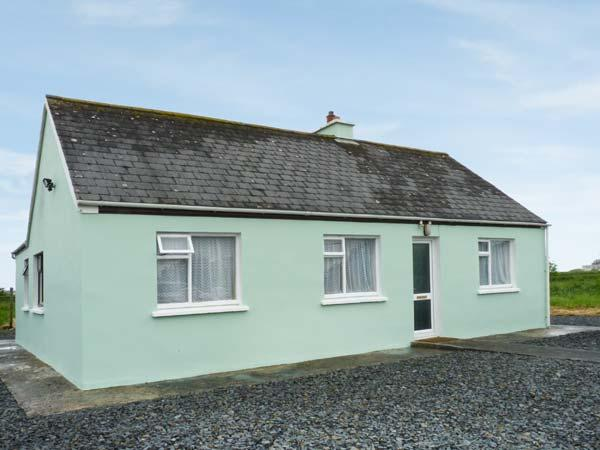 GOLF CLUB VIEW, detached bungalow, views of golf course, near Doonbeg, Ref 24485 - Image 1 - Gortaclare - rentals