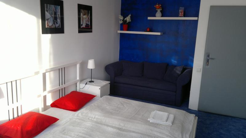 Blue bedroom - Apartment Maximilian - Bratislava - rentals