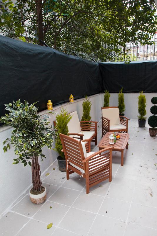 individual garden - TAKSIM ULTRA VIP APARTMENT -GARDEN SUITE-4 BEDROOM - Istanbul - rentals