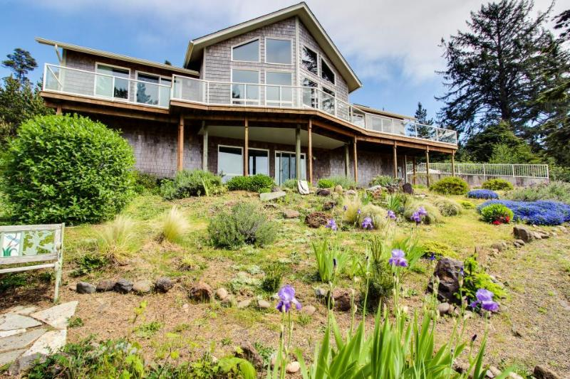 Dog-friendly house w/ ocean & mountain views - easy beach/park access, game room - Image 1 - Seal Rock - rentals