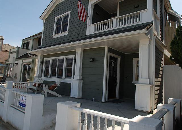 Ocean Views! Single Family Home w/ Rooftop Deck! Monthly Rental Only (68311) - Image 1 - Newport Beach - rentals