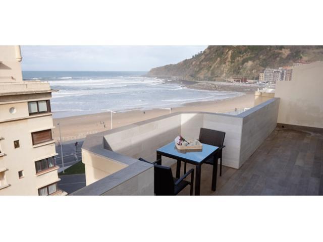 Beach House | Terrace overlooking the sea - Image 1 - San Sebastian - Donostia - rentals