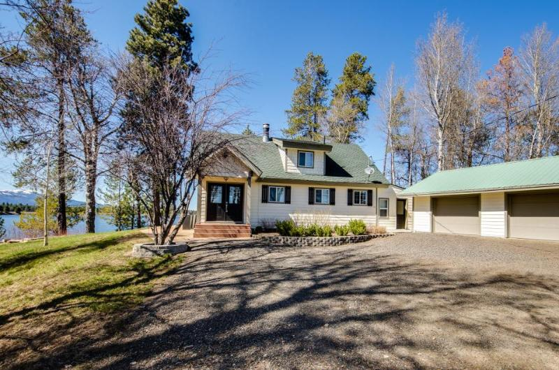 Spacious lakefront home w/ fireplace and chef's kitchen! - Image 1 - Donnelly - rentals