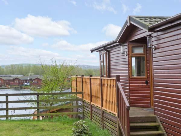 LAKE VISTA LODGE, onsite facilities, lake views, parking, in South Lakeland Leisure Village, Ref 24769 - Image 1 - South Lakeland Leisure Village - rentals