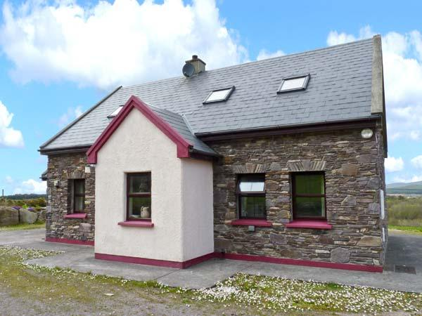 STONE COTTAGE, Ring of Kerry location, solid fuel stove, en-suite facilities - Image 1 - Waterville - rentals