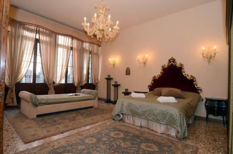 Elegant & Bright 1bdr close to Canal Grande - 2047 - Image 1 - Venice - rentals